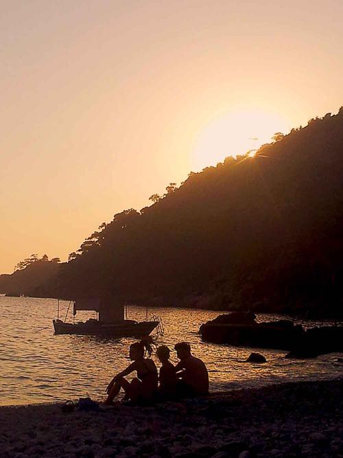 La vue du Shanti : Au creux d'une vallée, au bord de la mer, « this is my paradise...»