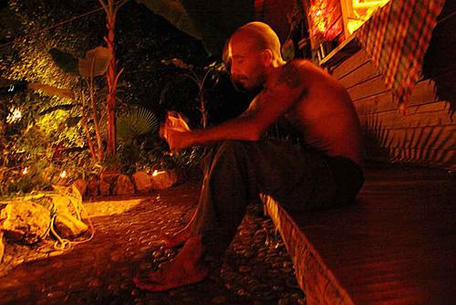 Eduardo, autrefois un voyageur de passage argentin. Il habite désormais au Shanti