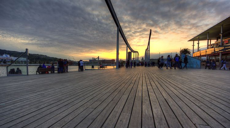 Sur le port de Barcelone ( Claude Attard / Flickr)